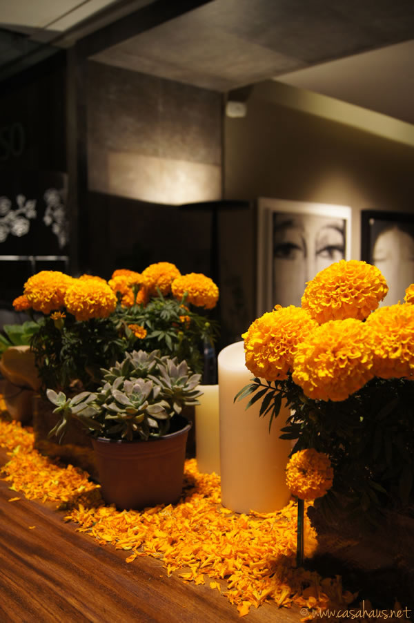 marigold table setting | Casa Haus