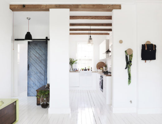 House tour: A Tiny Swedish Summer home in Sydney / Una casa pequeñita decorada al estilo nórdico en Australia - Casa Haus Decoracion